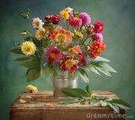 dahlia-bouquet-16235679